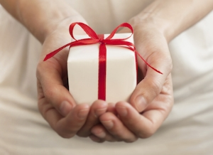 giving_a_gift-382066-edited