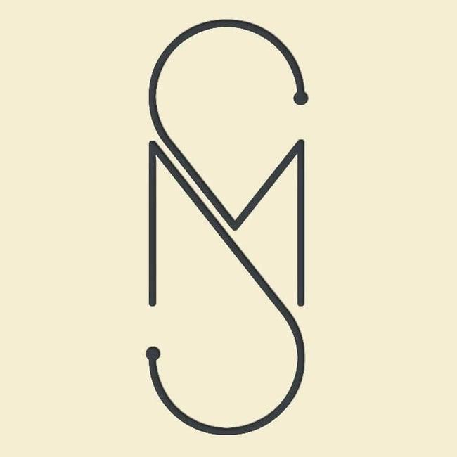 ejemplo de logo creativo de Solo Merav