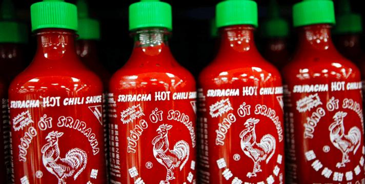 Botellas-Sriracha-salsa.png