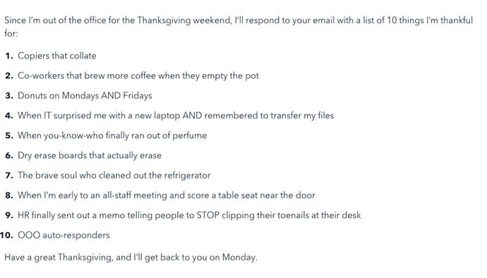 Plantilla de correo electrónico de fuera de la oficina para el Día de Acción de Gracias con una lista de 10cosas que el remitente agradece