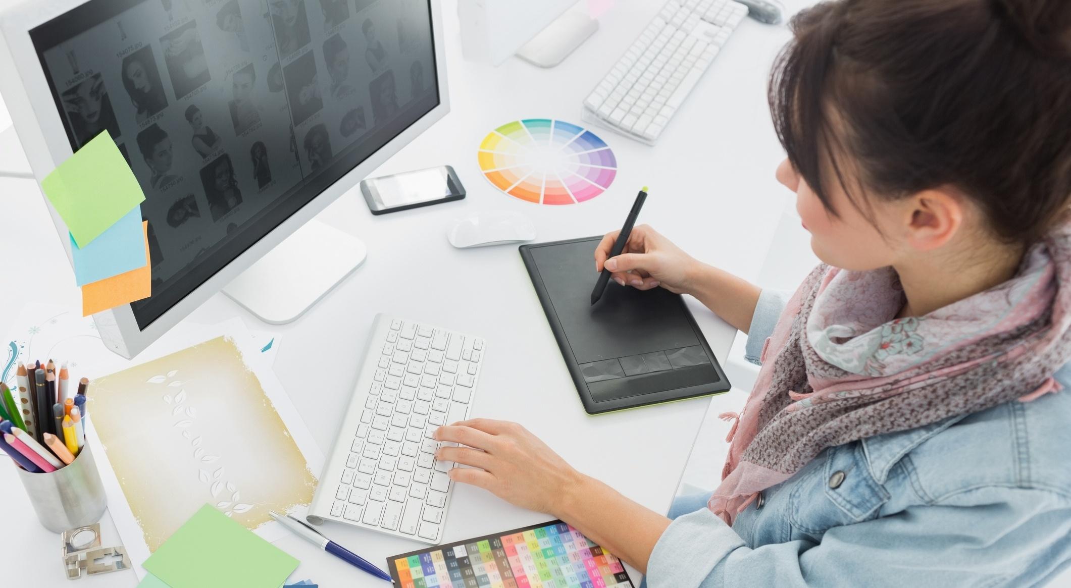 [Guía gratis] Cómo diseñar materiales de marketing que aumenten tus conversiones