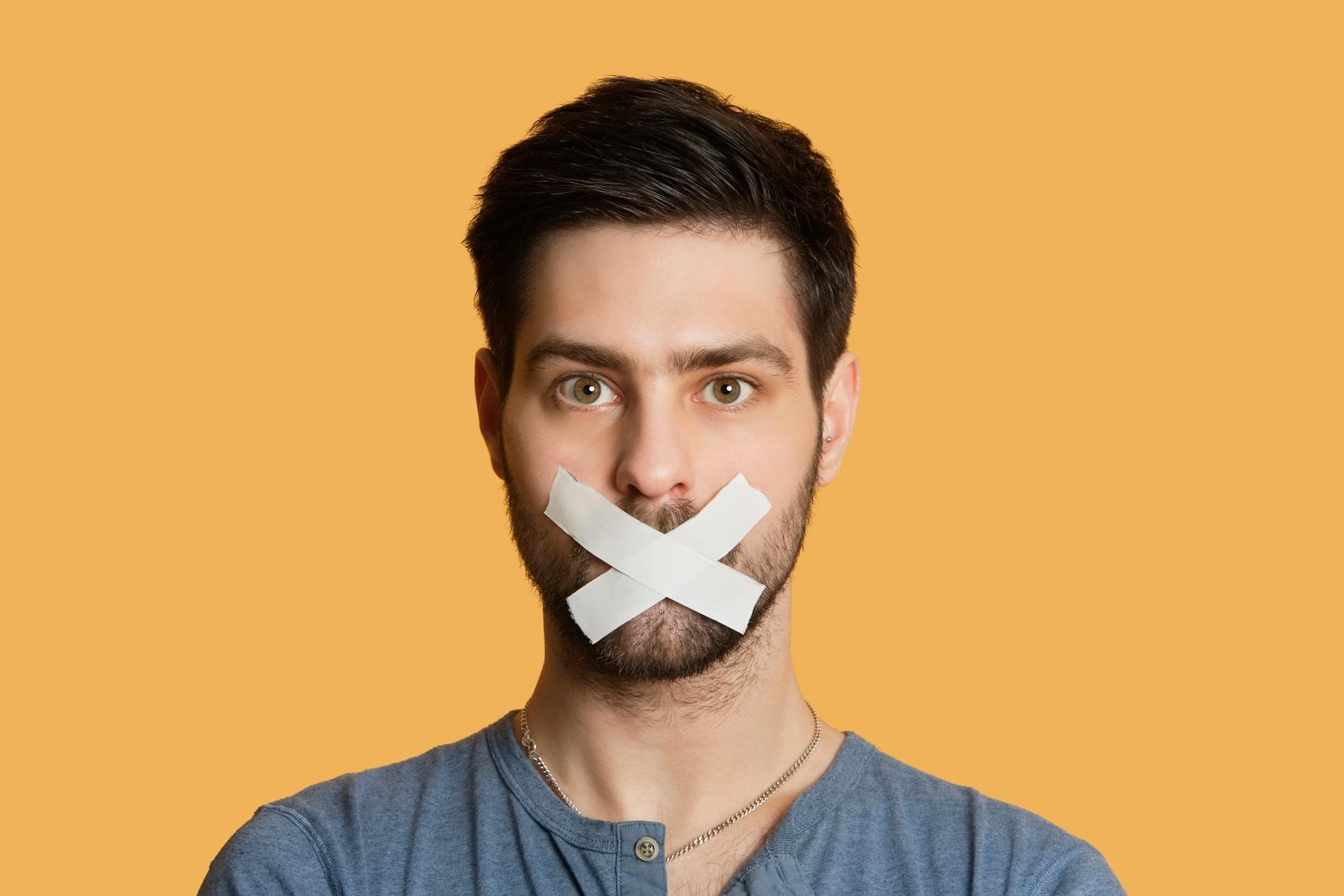 Por qué el silencio podría ser tu mejor táctica de negociación