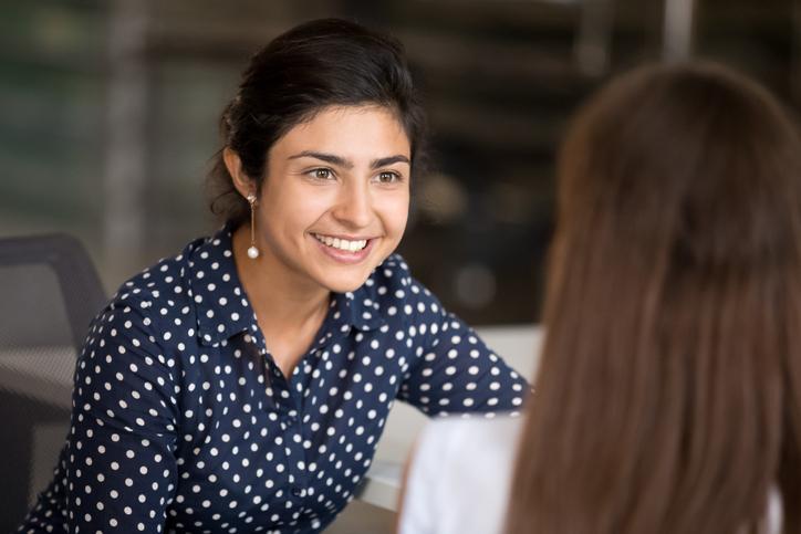 Cómo pedir un ascenso laboral (y otras conversaciones difíciles con tu jefe)