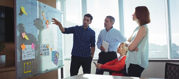 Cómo utilizar el método de la ruta crítica para gestionar proyectos