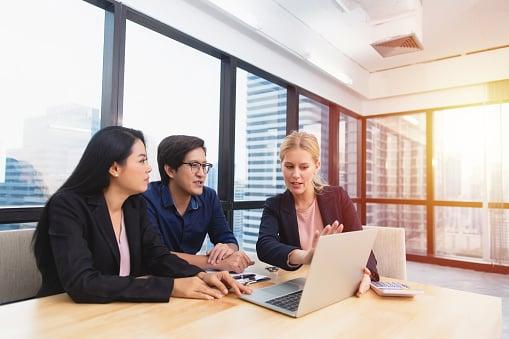 Cómo establecer objetivos de ventas para tu equipo (con ejemplos)