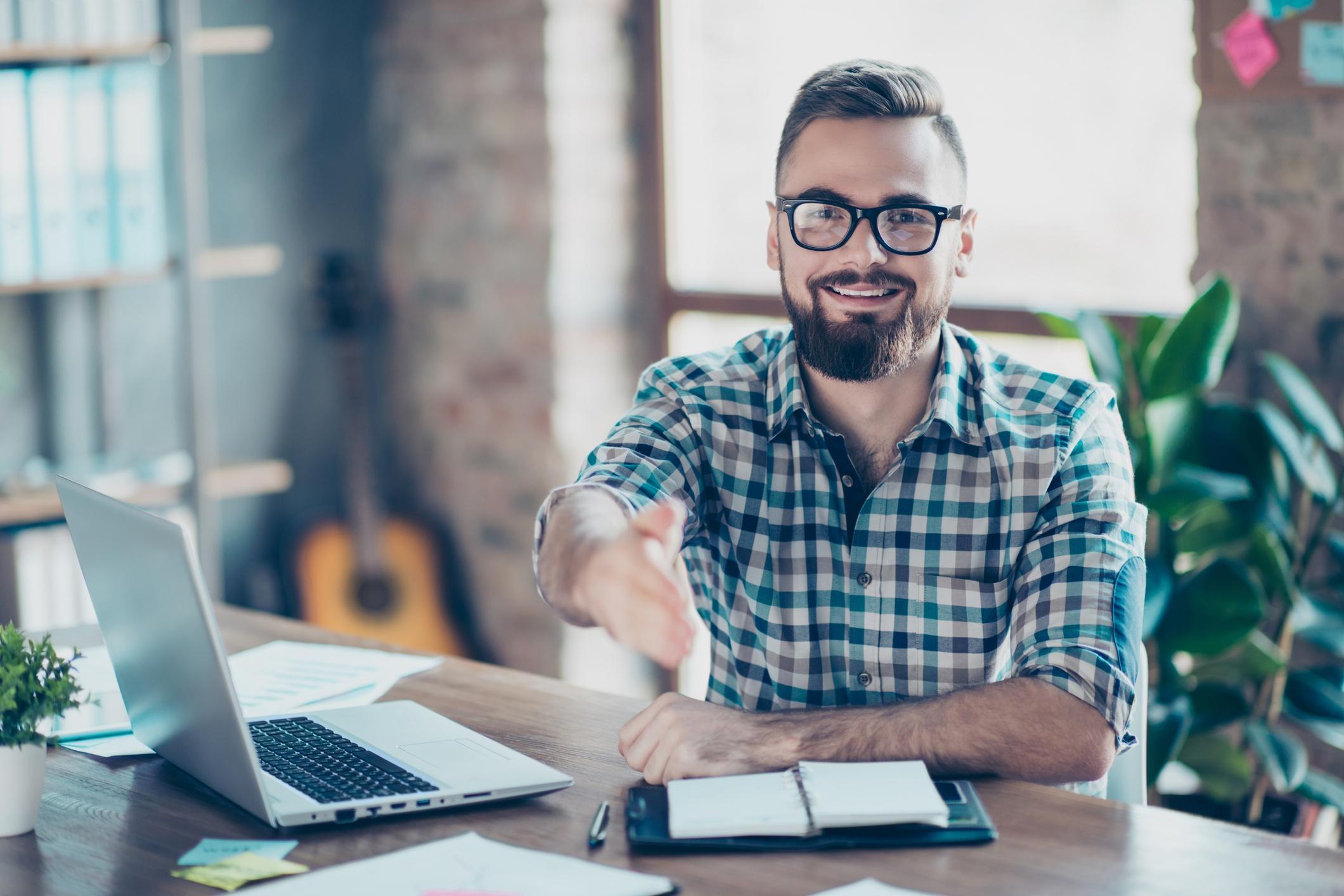 Tácticas para contratar y retener talento en una agencia de marketing