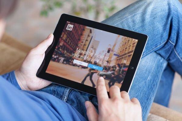 Cómo hacer y pedir recomendaciones profesionales en LinkedIn