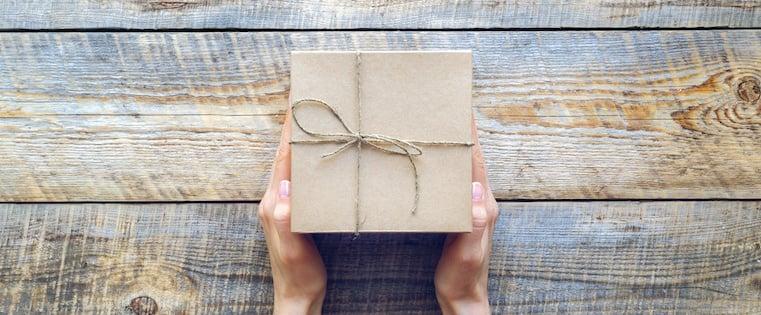 6 Pequeños gestos que deleitarán a tus clientes en estas fiestas