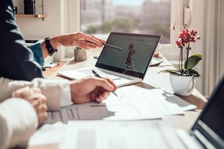 Cómo crear una base de datos en Excel para tu negocio (y cuáles son las alternativas)