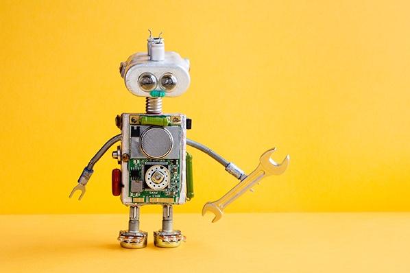Cómo crear un chatbot que te ayude a conseguir clientes, desde el discurso de venta hasta la promoción