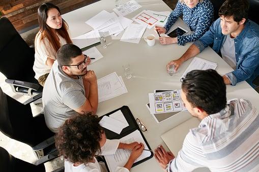 Cómo implementar smarketing en tu empresa: consejos y pasos para ponerlo en práctica
