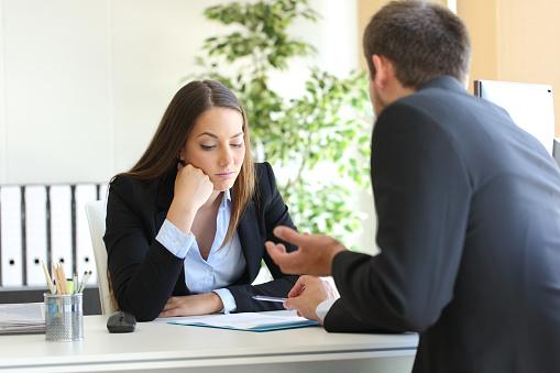 Cómo tratar con un cliente difícil o enojado: estrategias para cada perfil