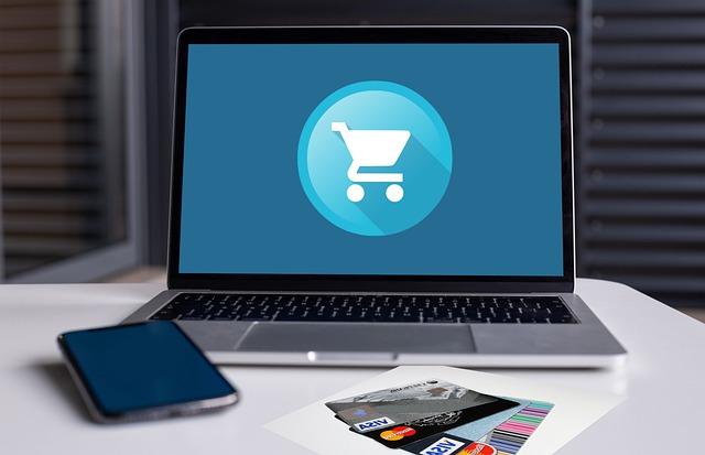 Tendencia de mercado 2021: ecommerce cada vez más asimilado con el comercio físico