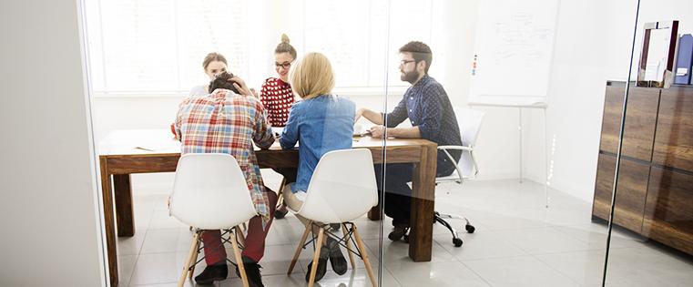¿En qué se diferencian los millennials que trabajan en agencias? [Investigación nueva]