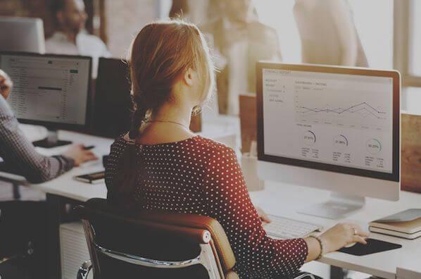 Cómo hacer un programa de educación para clientes