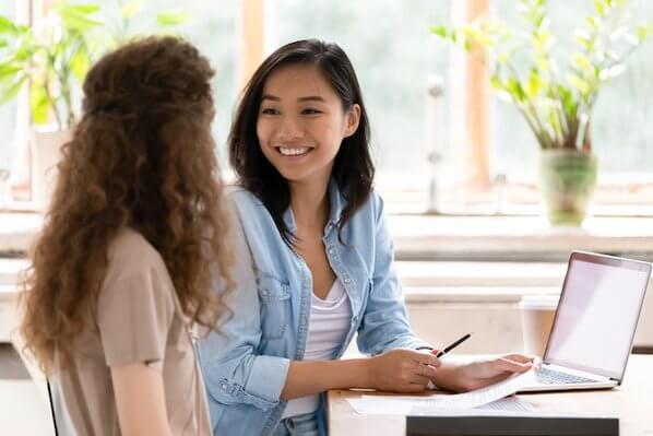 Cómo ampliar tu programa de referidos con la satisfacción del cliente